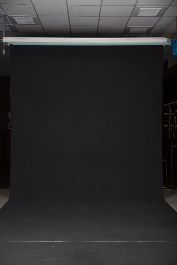 台中攝影棚出租,工業風攝影棚,自然光攝影棚,自然光網拍棚,自然光婚紗棚,無縫牆,商業棚,白棚,黑棚,咖啡廳場景